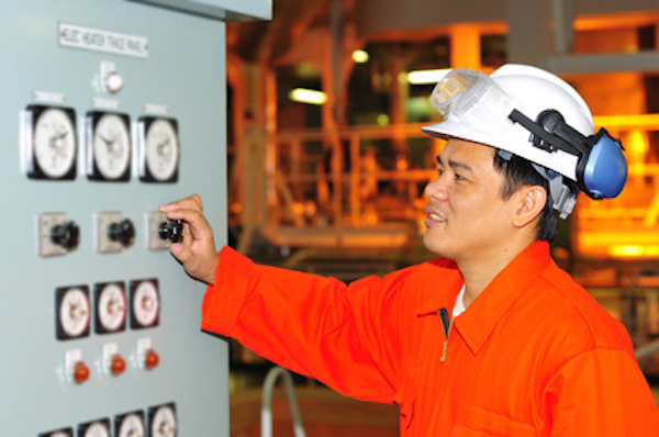 10 Points to Consider While Operating Machinery From Remote System On Ships