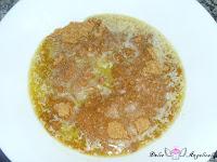 Galletas molidas con mantequilla derretida
