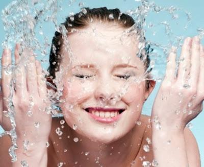 5 Kesalahan Yang Sering Dilakukan Saat mencuci Wajah