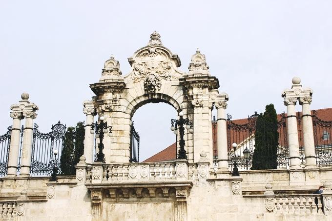 Budapest sightseeing tour, Buda castle and Royal palace.Budimpesta dva dana tura razgledanja.