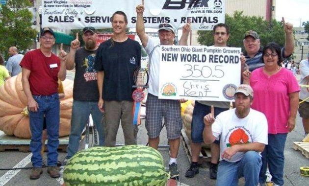 Buah semangka terbesar di dunia