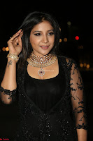Sakshi Agarwal looks stunning in all black gown at 64th Jio Filmfare Awards South ~  Exclusive 155.JPG