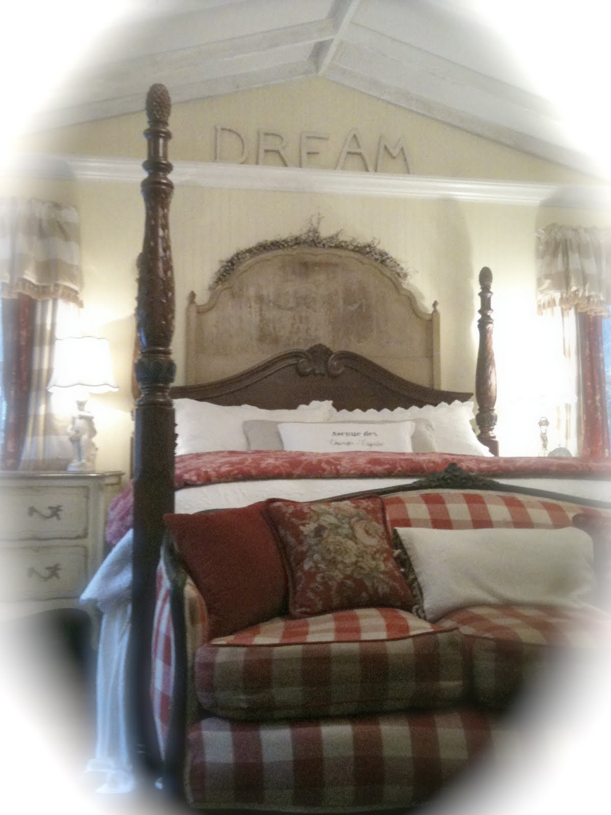 FRENCH COTTAGE BEDROOM - FRENCH COUNTRY COTTAGE