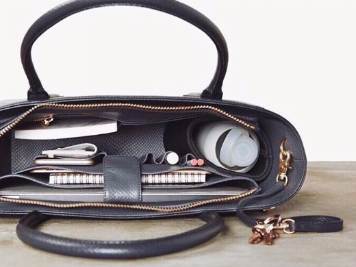 Designer Hand Bags Fashionable Ladies Hand Bags