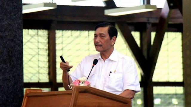 Menteri Koordinator Bidang Kemaritiman RI, Luhut Binsar Panjaitan menyampaikan kuliah umum di hadapan ratusan mahasiswa, di Aula Barat ITB, Jalan Ganeca, Kota Bandung, Rabu (1/3/2017)