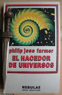 Portada del libro El hacedor de universos, de Philip José Farmer