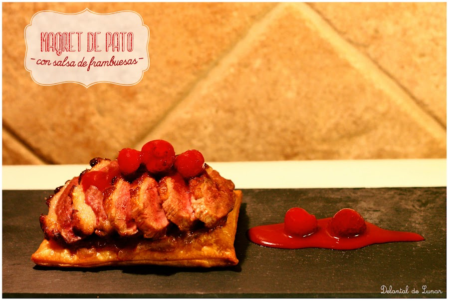 Magret de pato con salsa de frambuesa