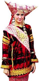 Pakaian adat Minangkabau yang menggambarkan budayta minangkabau