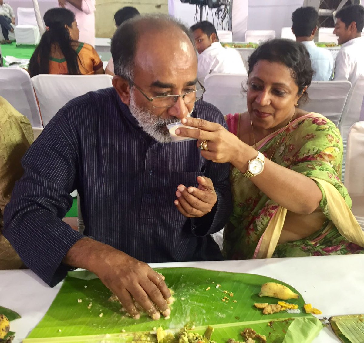 Alphons kannanthanam ias profile politics and family for J murali ias profile