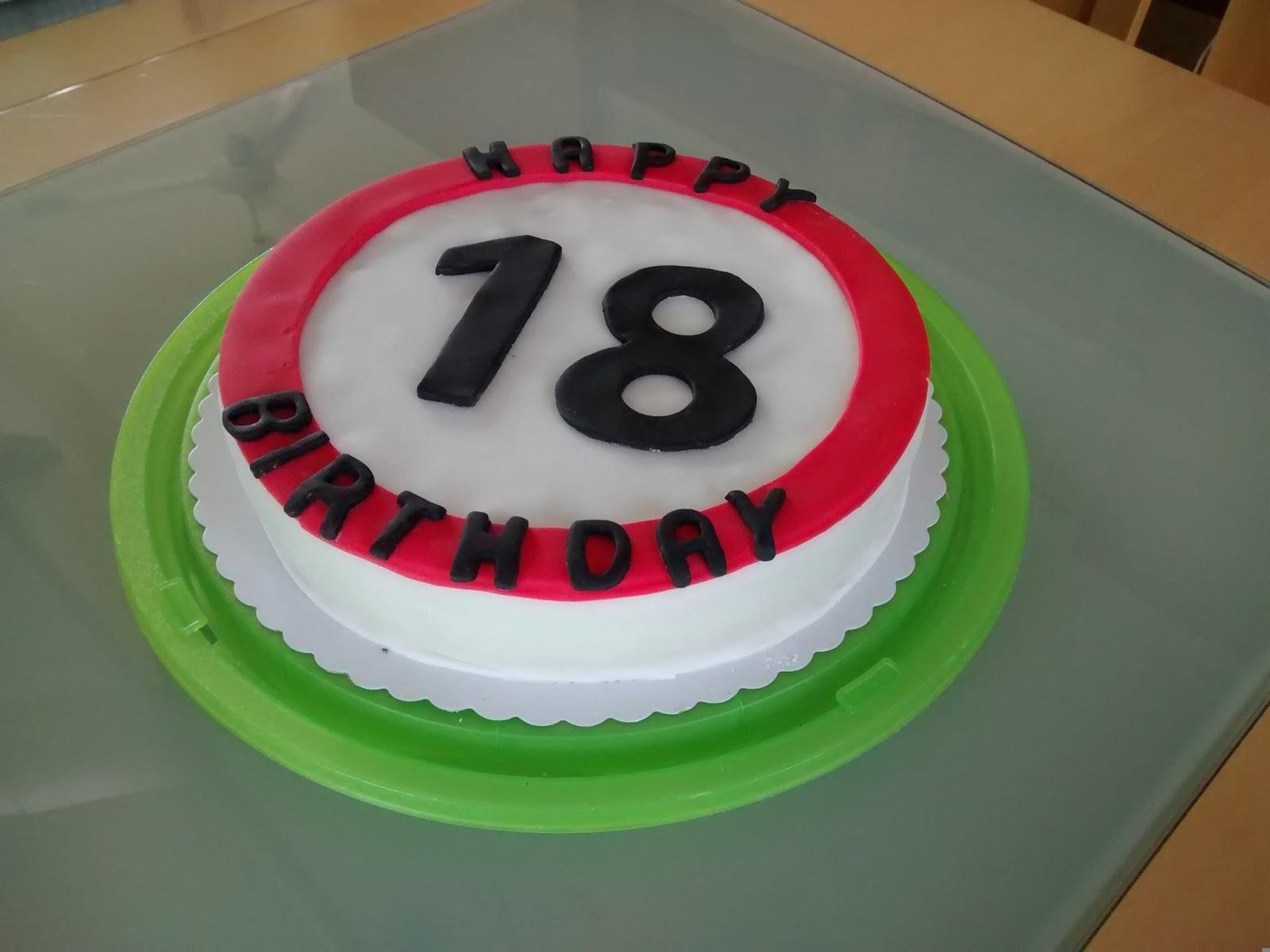 Miss Blueberrymuffin S Kitchen Anzeige Eine Torte Zum 30
