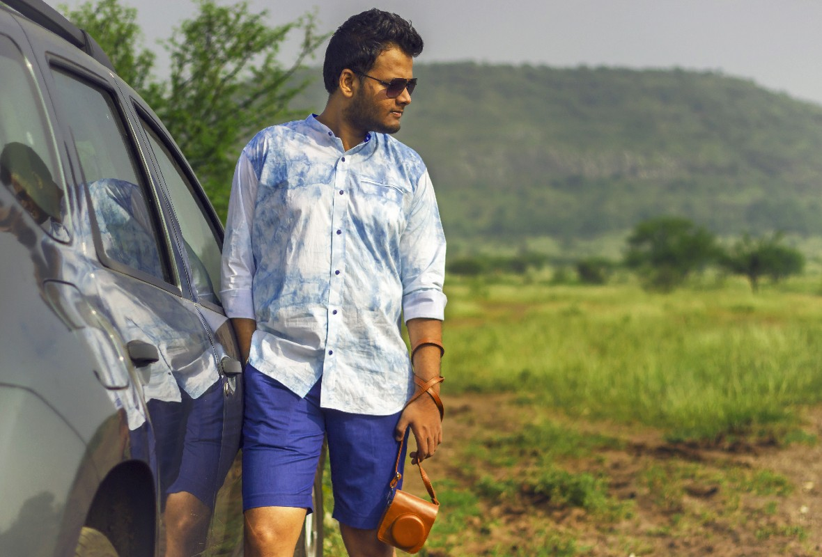 mens summer outfit blue tie and dye shirt and shorts