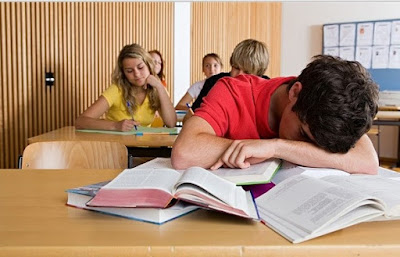 Kebiasaan Buruk Mahasiswa yang Wajib Kamu Hindari!