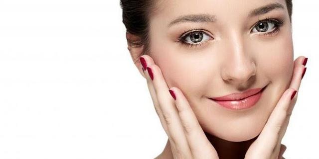 8 Manfaat Madu Untuk Wajah Cantik Alami