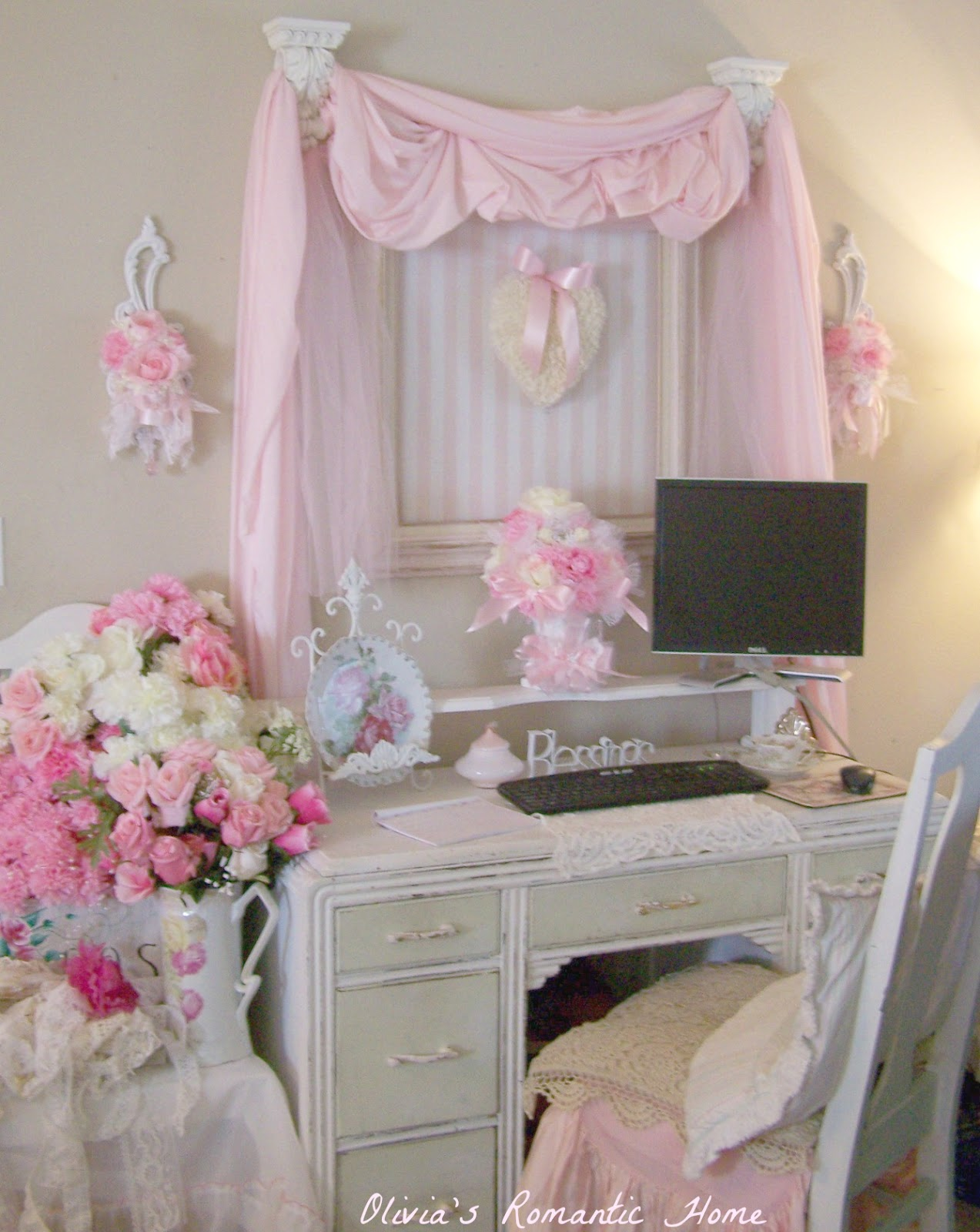 Shabby Chic And Eclectic Decorating Living Room: Coffee And Cashmere: Shabby Chic Sunday