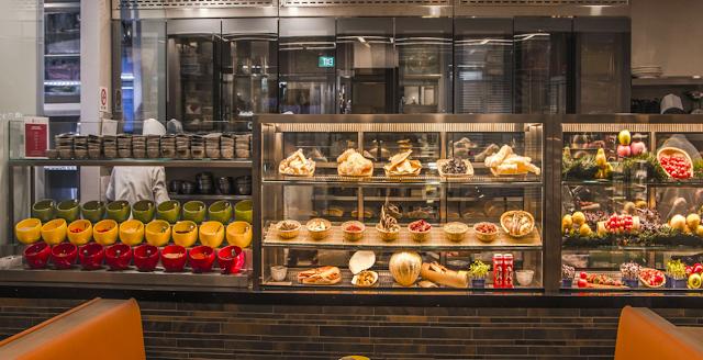 Hua Ting Steamboard restaurant interior