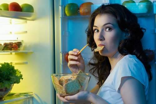 Quando submetidos a uma dieta rica em sal, as pessoas relataram sentir mais fome e menos sede do que em dietas com menores quantidades da substância
