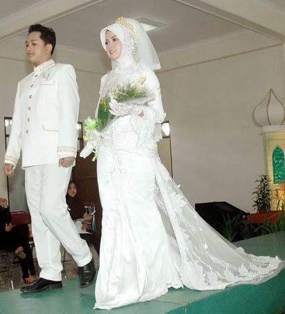 sewa gaun pengantin muslimah modern,gaun pengantin muslimah,gaun pengantin muslimah terbaru,gaun pengantin muslimah yang syar'i,gaun pengantin muslimah rabbani,