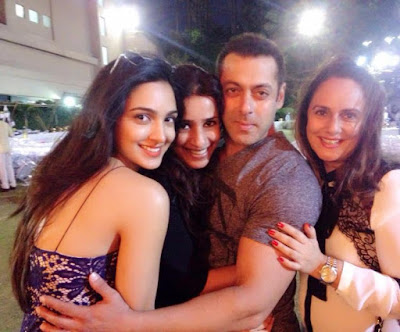 Salman-Khan-Arpita-Khan-Aayush-Sharm-Baby-SHower-005