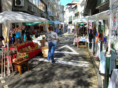 Mercadillo de artesanía, Funchal, Madeira, Portugal, La vuelta al mundo de Asun y Ricardo, round the world, mundoporlibre.com