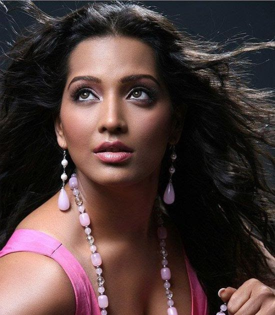 Meghna Naidu Nude Photos 79