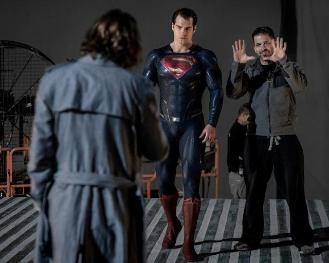 Zack Snyder con Henry Cavill en Batman v Superman