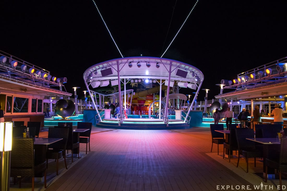 Waves Pool Bar, Norwegian Epic