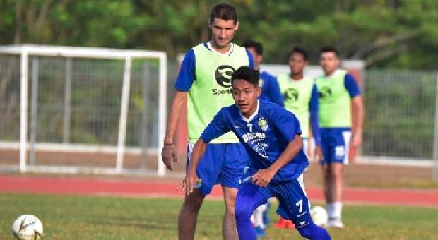 Persib Siap Tempur di Kandang Borneo FC