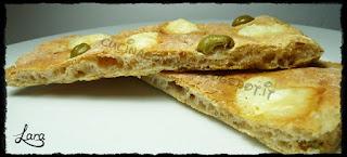 http://cucinaconlara.blogspot.it/2017/10/focaccia-integrale-di-cipolla-e-olive.html