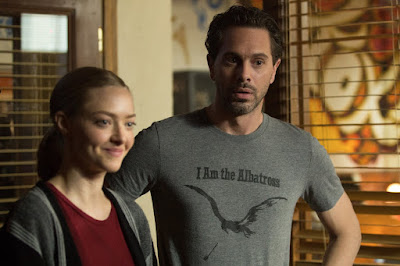 Amanda Seyfried and Thomas Sadoski in The Last Word (2)