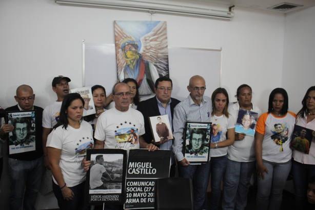 """Padres de víctimas en protestas: """"Las elecciones son una burla al pueblo"""""""