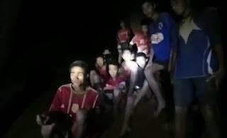 إنقاذ المراهقين المحاصرين في كهف في تايلاند وإحتمالية إستمرار عملية الإنقاذ لأشهر