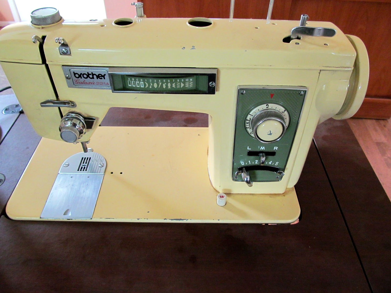 trampled by geese vintage sewing machine brother galaxie 221a rip rh itissunnyatebertshome blogspot com Vintage Kenmore Sewing Machine Manuals Japan Vintage Sewing Machine Manuals