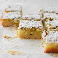 Receta para preparar barritas de limón con pistachos