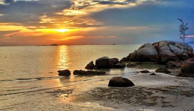 Pantai Terindah Di Pulau Bangka