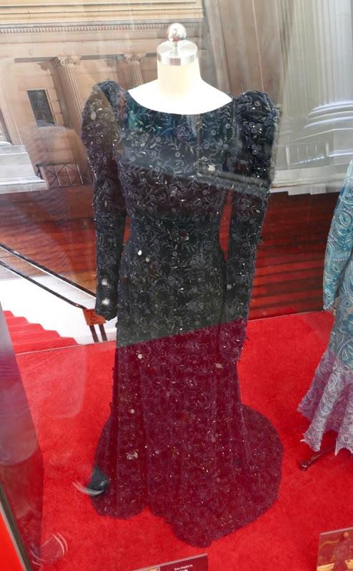 Sarah Paulson Oceans 8 Met Gala Prada gown