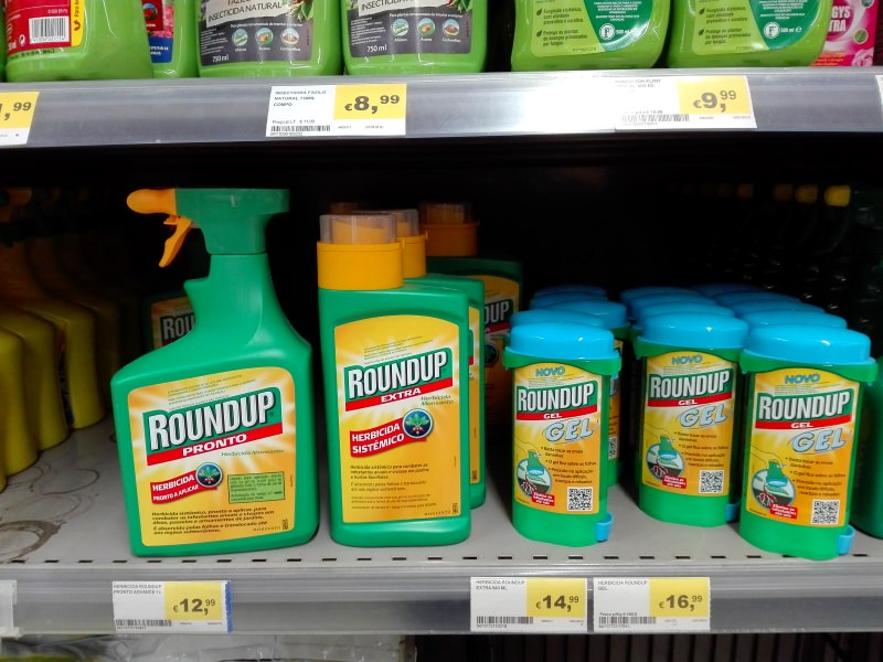 Glifosato À venda num supermercado