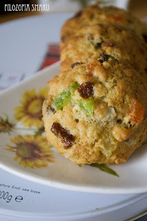 (Miękkie ciasteczka owsiane z bakaliami