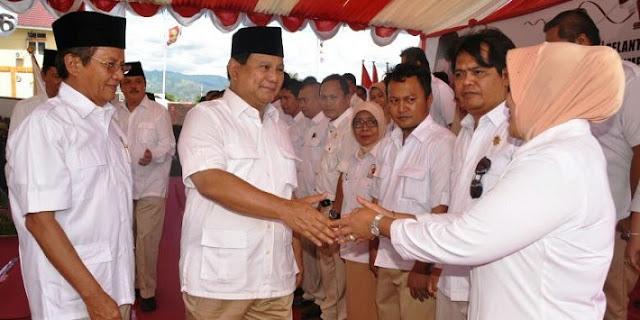 PLAAAK...!!! TAMPARAN Lelaki Ini Mendarat KERAS Di Pipi Prabowo Subianto, Mantan Danjen Kopassus.