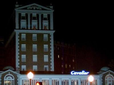 Cerita Hotel Cavalier di Pantai Virginia