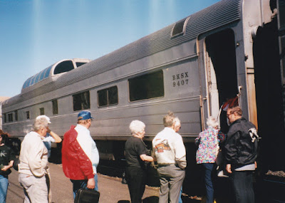BKSX Dome Coach #9407 in Wishram, Washington, on June 7, 1997