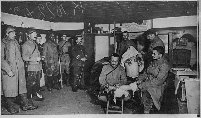 In the streets of Monastir (Bitola) (February 1917). Infirmary: Visit of Colonel Soubiran, commander of the 372nd