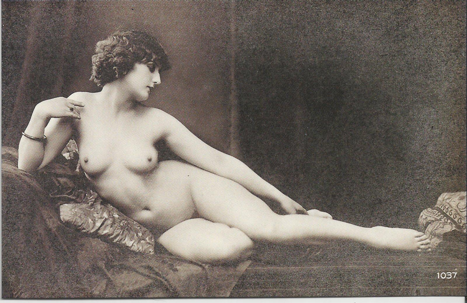 golie-babi-proshlogo-veka-porno-zaperli-v-mashine-potom-usipili