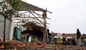 Puting Beliung Terjang Pemukiman, Warga Benteng ,Jampea ,Kepulauan Selayar