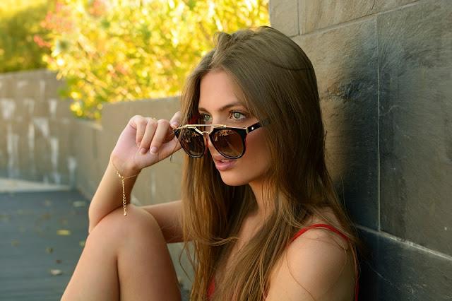 Sara Pericacho para Koury sunglasses