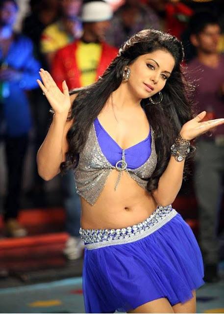 Rachana Maurya navel show