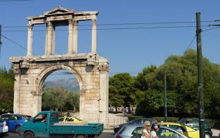 Puerta de Adriano, Atenas.
