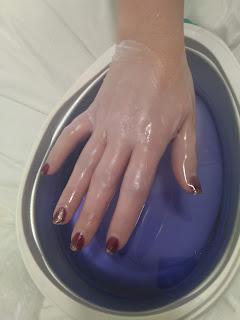 Tratamiento de parafina para cuidar las manos