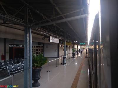kereta api stasiun pasar senen
