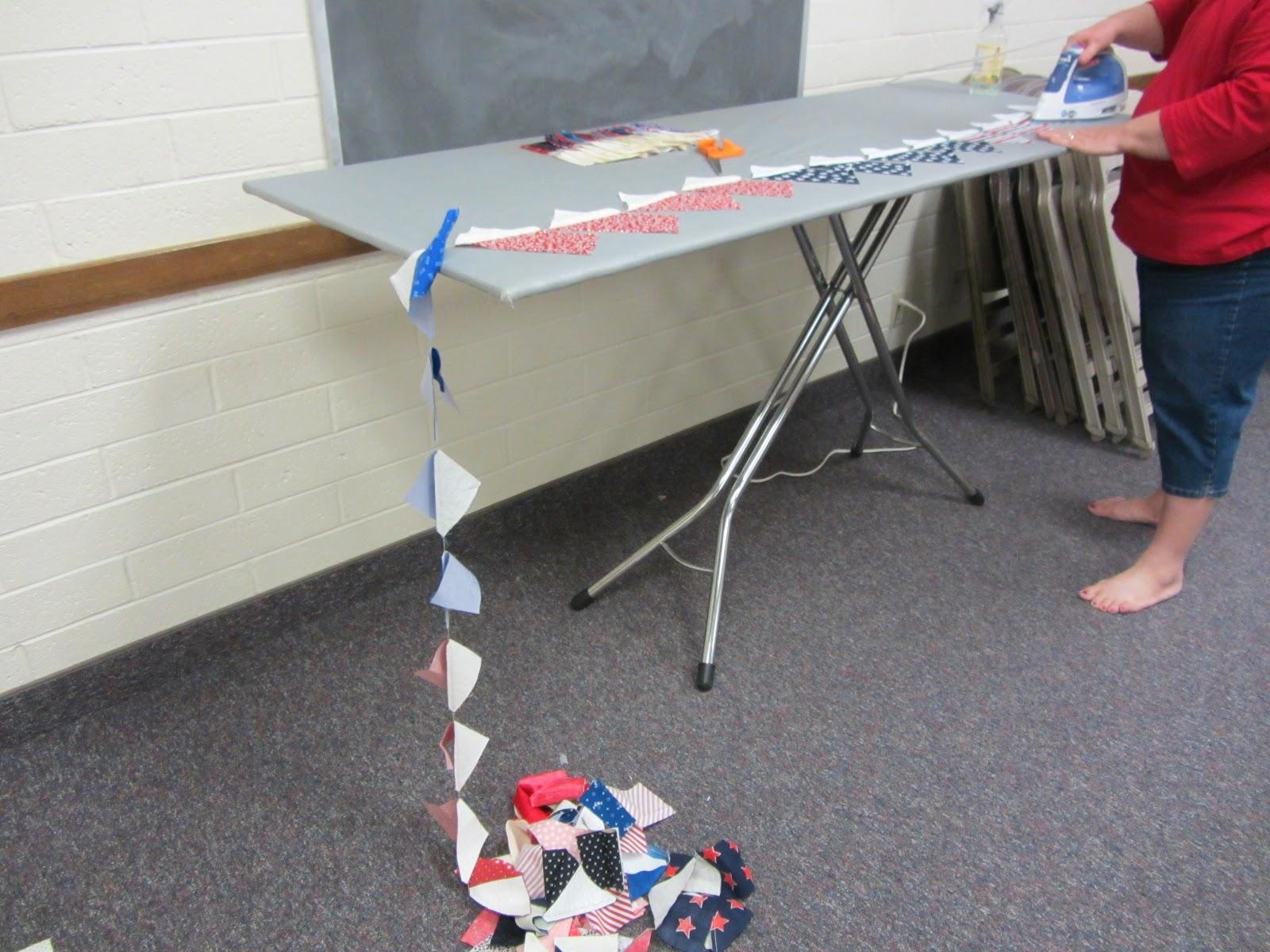 Scraps R Us Patriotic Pinwheels June Quilt Groupjune