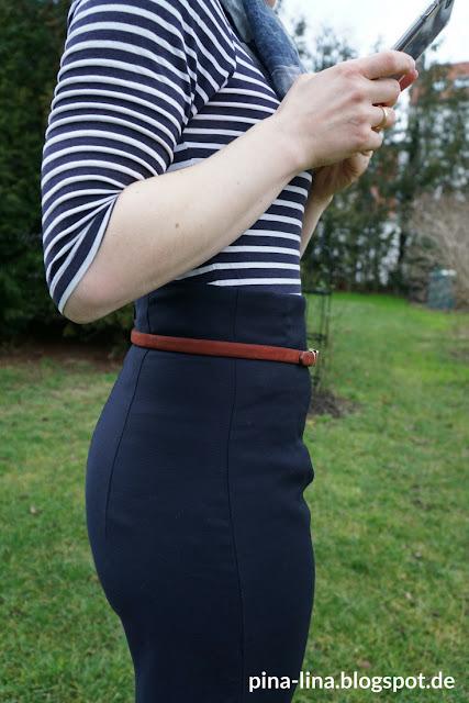 High-waist-Röcke machen Kurven, auch wenn da keine sind :-)